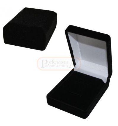 плюшена кутия за пръстен, обеци, висулка